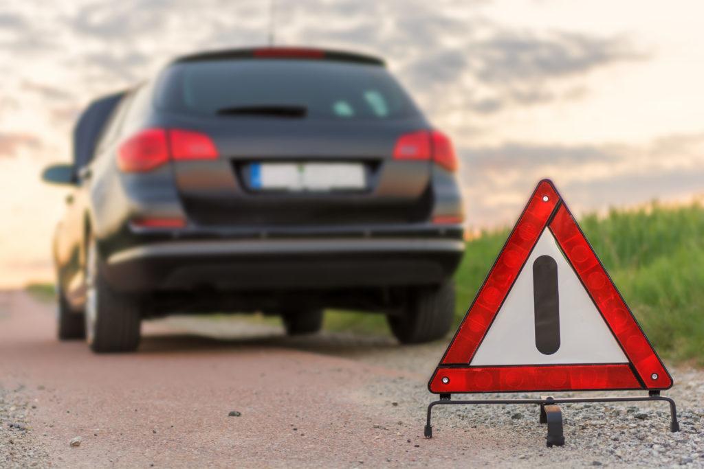 Warndreieck bei Autopanne